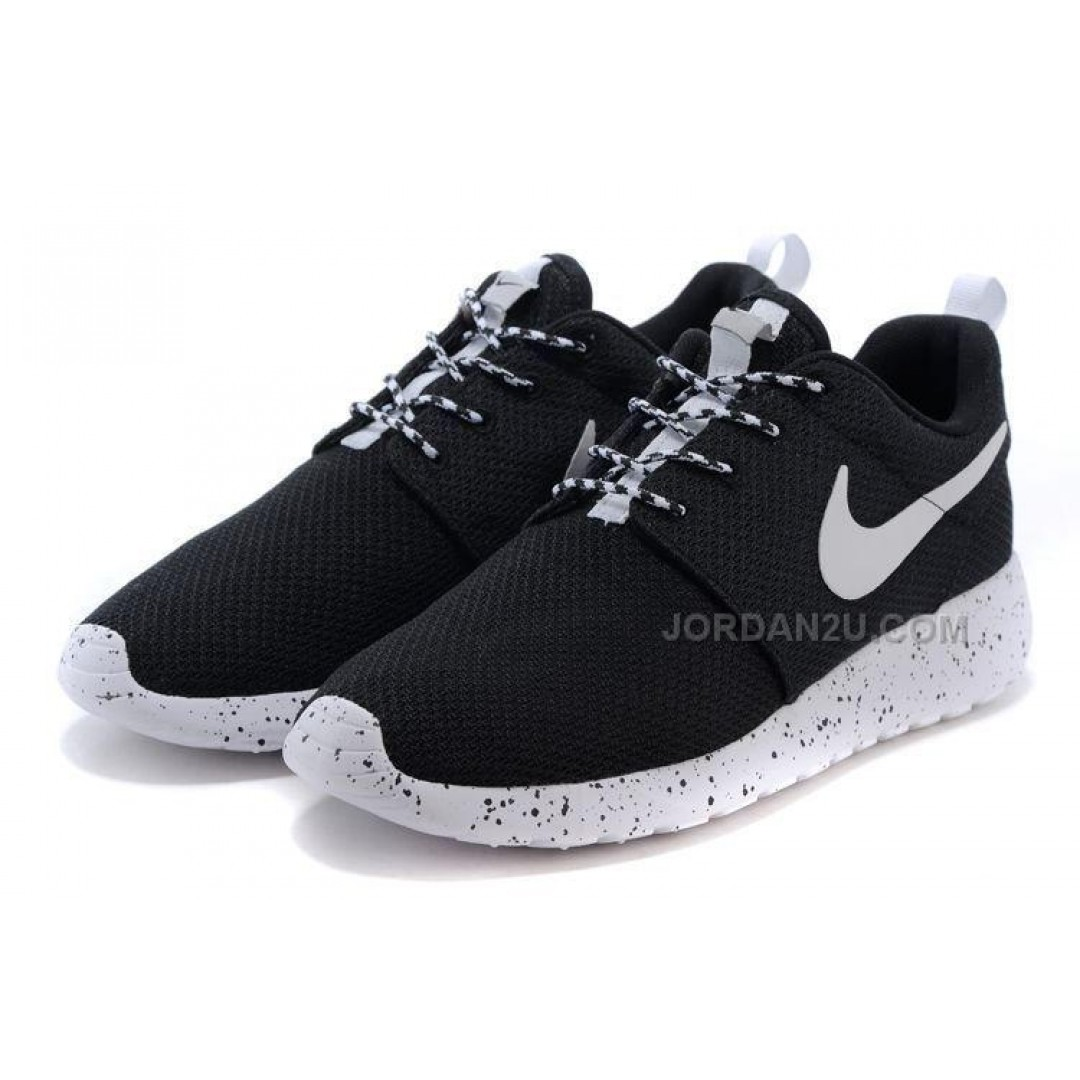 womens nike roshe run shoes white black price. Black Bedroom Furniture Sets. Home Design Ideas